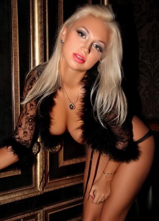 Актриса красивые и голые телочки видео роликов кончают пизду